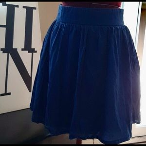 H&M cute blue skirt sz 6